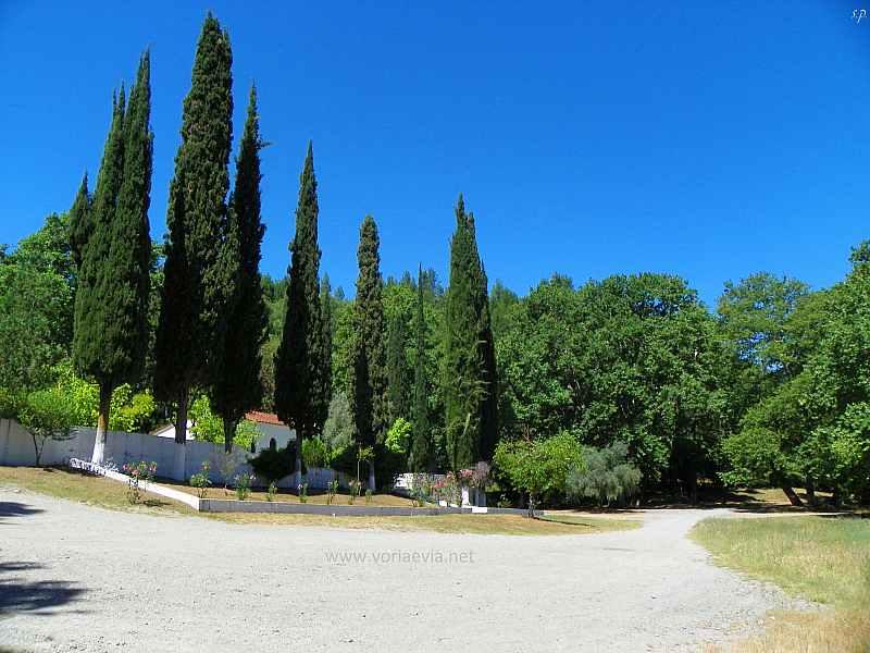 Εκκλησίες - Μοναστήρια στην Βόρεια Εύβοια Παναγία Ντινιούς