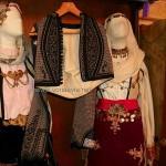 Λ. Μουσείο Ιστιαίας Στη μέση φορεσιά του Α. Βλαχοθανάση