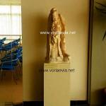 Αρχαιολογική Συλλογή Αιδηψού. Τμήμα απο άγαλμα του Ηρακλή της Ρωμαϊκης εποχής.